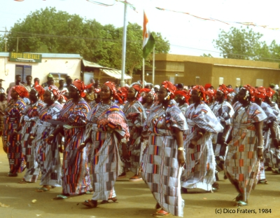 Group of Zarma woman in traditional clothes